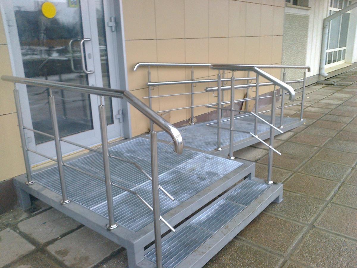 Входные металлические лестницы на заказ